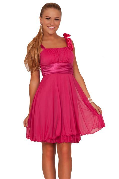 teen pregnancy prom dresses jpg 996x1500