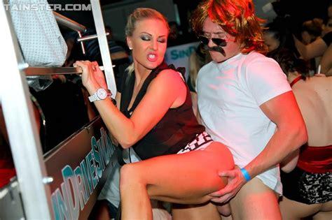 chris critter stripper rave male dancer jpg 1000x666